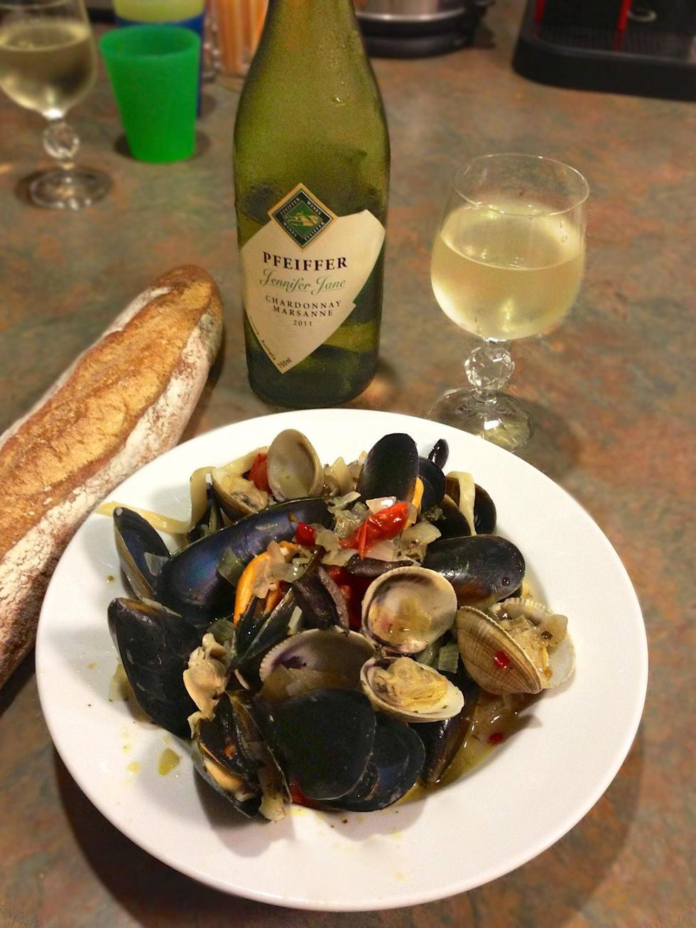 How to cook mussels and clam fettuccine